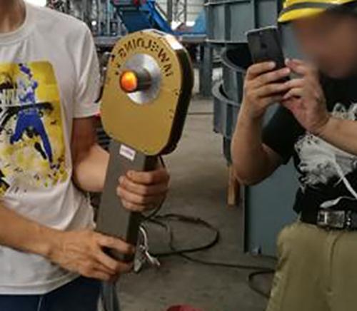 封闭式管管焊机